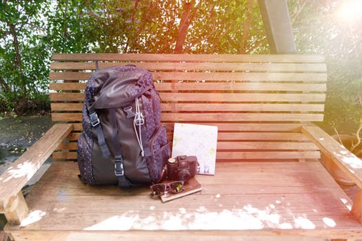 pack light when traveling - ejoy english